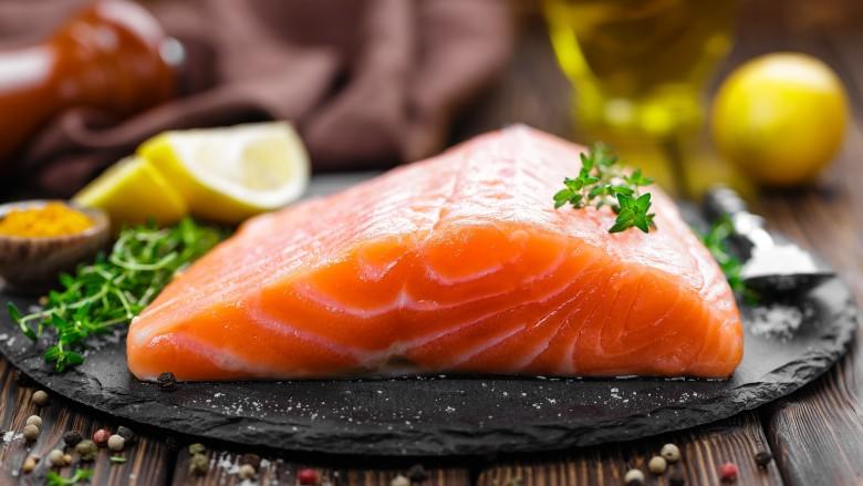 مصرف چربی ماهی برای داشتن موهای پرحجم